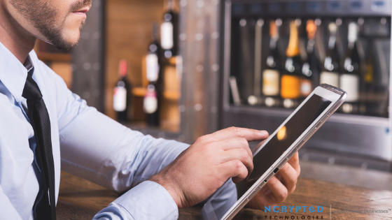 What are the basic features offered in Restaurant and Bar Management Software?
